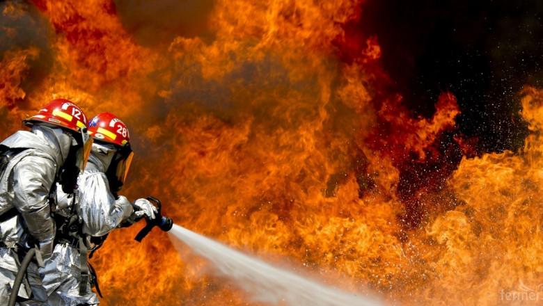 Тонове фураж и картофи изгоряха на границата с Гърция