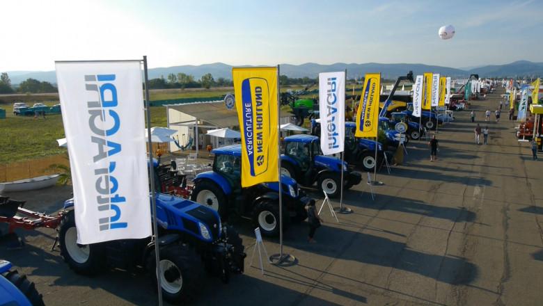 New Holland с  нови трактори и комбайни в България