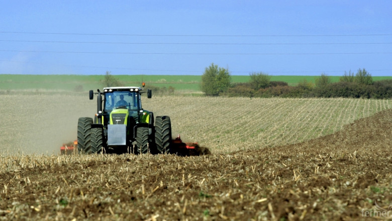 Позитивни настроения в търговците на агротехника за март