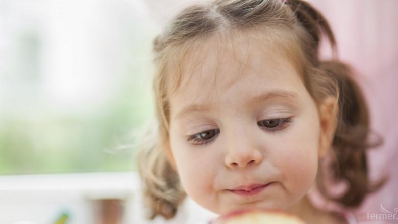 ЕК планира отново 250 млн. евро за училищен плод и мляко