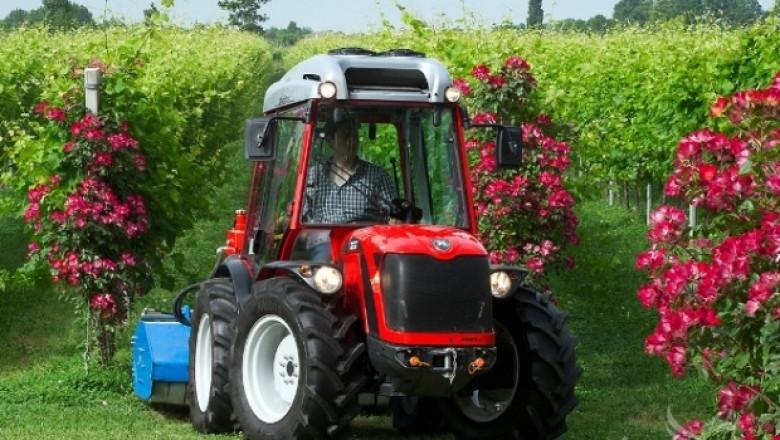 На фокус: Тракторът Antonio Carraro TX-TRX 7800 S