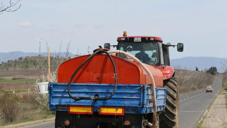 Днес влиза в сила забрана за движение на трактори и самоходна техника