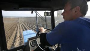 НАП: Субсидиите за земеделие трябва да се декларират до края на април