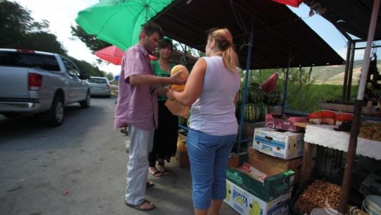 Обсъждат изграждане на тържище за плодове и зеленчуци край Кабиле