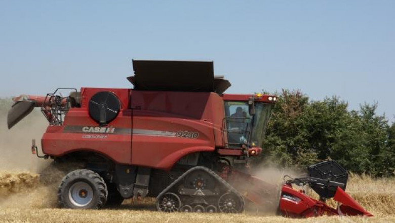 Тайтън Машинъри представи нов верижен комбайн CASE IH 9230 Axial Flow (видео)