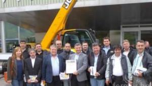 JCB оцени дилъра си за България - Оптиком, с престижна европейска награда - Agri.bg