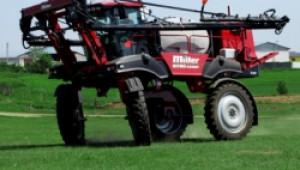 Фермер 2000 показа самоходните пръскачки Miller пред земеделци в Кнежа