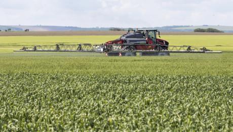 Кой, как и защо: Откъде идва нелегалния внос на препарати за растителна защита?