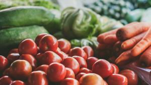 Икономисти: Намалява родното производство на домати и краставици