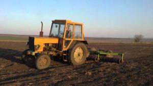 Пиян подкара трактор в Добричко