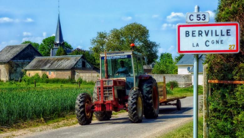 Хиляди французи отиват да помагат на земеделците