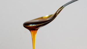 Манов мед - по какво се различава от нектарния?