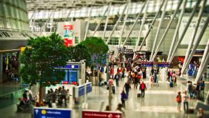 Сезонни работници: ЕК очаква от Франция проверка по случая с българите