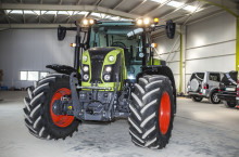 Claas Arion 460 - Трактор
