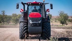 Опитните земеделци избират машините Case IH