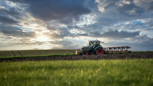 Заетите в земеделието рядко стигат до бюрото по труда
