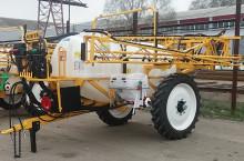 Boguslav 2000 литра, 18 метра - Трактор
