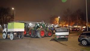 Протест: Трактори блокираха складовете на известни вериги в Германия