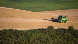 От фермата до трапезата: Чака ли ги фермерите сътресение и колко голямо ще е то?