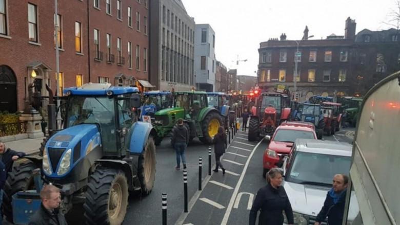 Животновъди протестират в Ирландия. Ще вадят тракторите